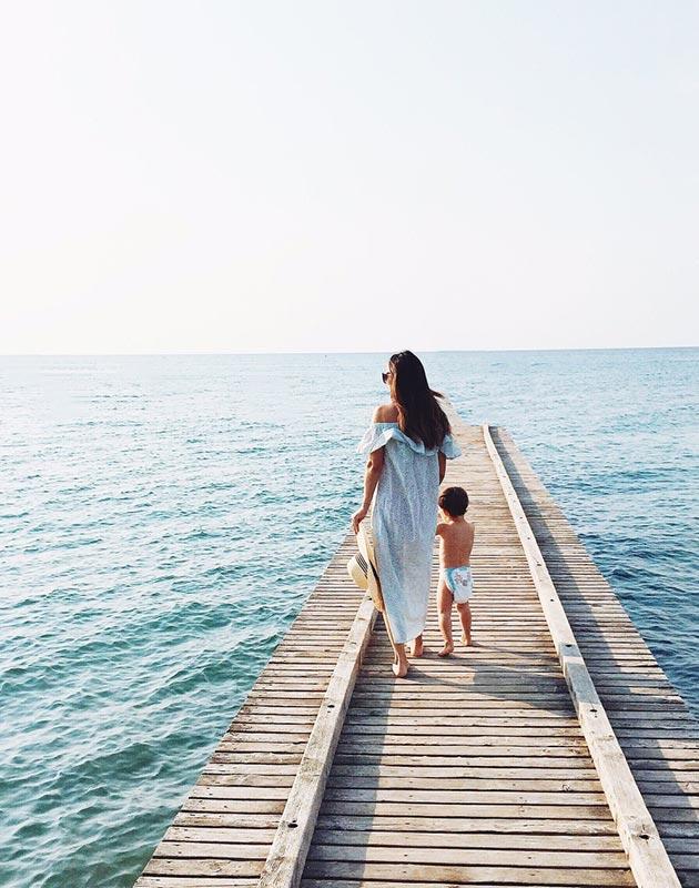 maman_et_enfant_a_la_mer