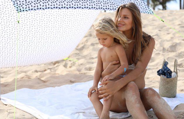 protéger bébé du soleil en été