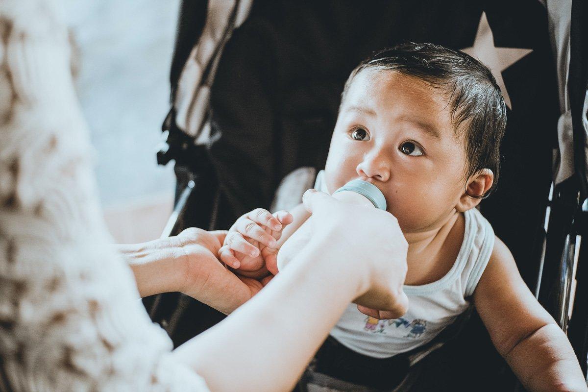 faire manger bébé en été