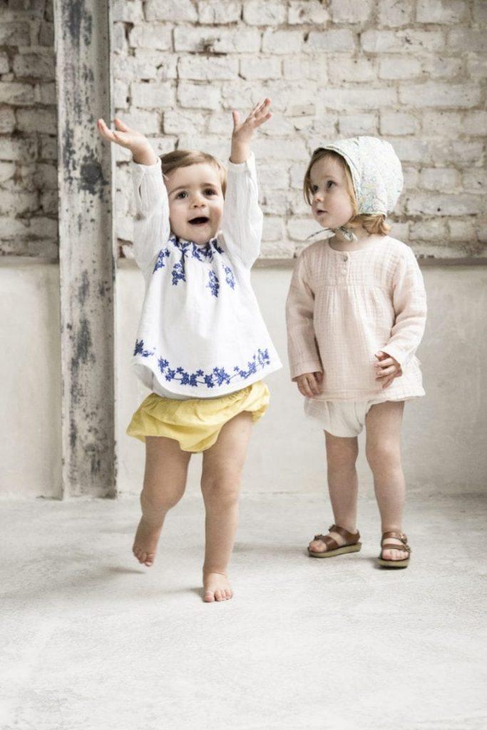 deux_enfants_qui_jouent