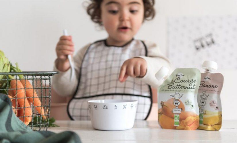 Bébé qui mange des purées et compotes Popote